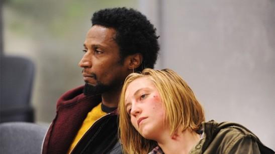 Dos de los protagonistas de la primera temporada de American Crime.